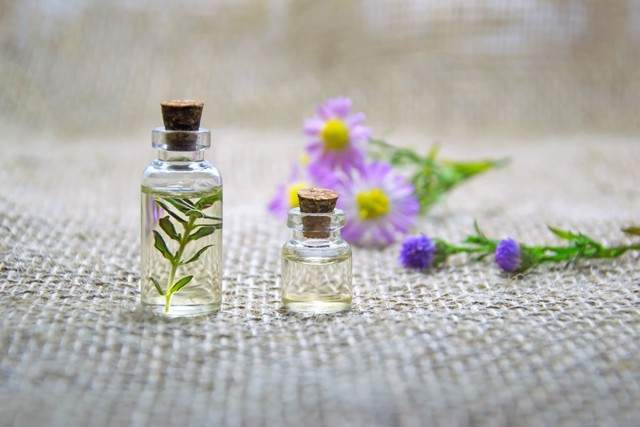 essential oils, balancing, seasonal rescue